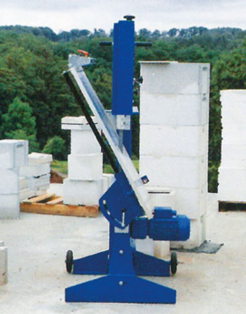 Die Zagro Bandsäge UVB 500 verfügt über einen einklappbaren Tisch, was es noch einfacher macht sie zu transportieren.